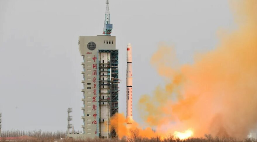 Liftoff of a Long March 4C from Jiuquan, carrying the Yaogan-31 (03) reconnaissance satellites.