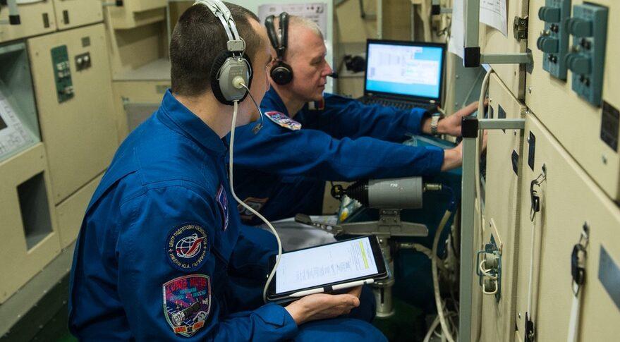 MS-18 cosmonauts