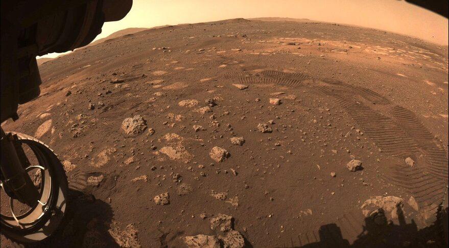 Mars 2020 rover tracks