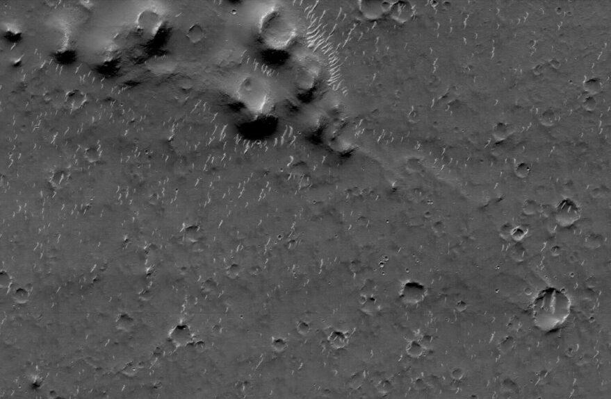 A high-resolution camera image of Utopia Planitia taken by Tianwen-1.