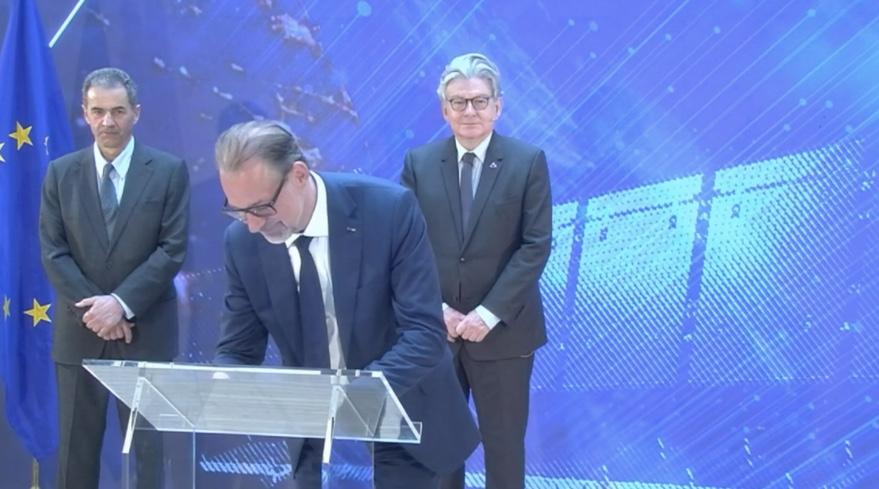 "EU and ESA proclaim ""fresh start"" in space cooperation - SpaceNews"