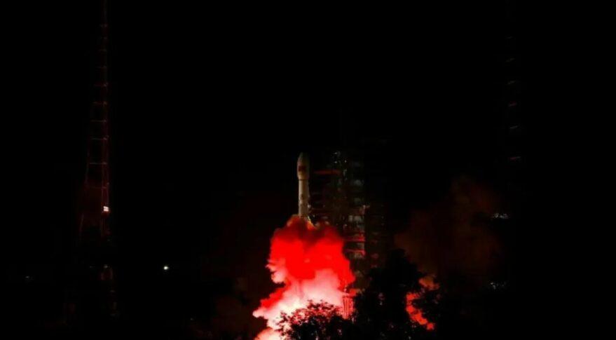 Liftoff of the Long March 3B from Xichang carrying Zhongxing-2E into orbit.