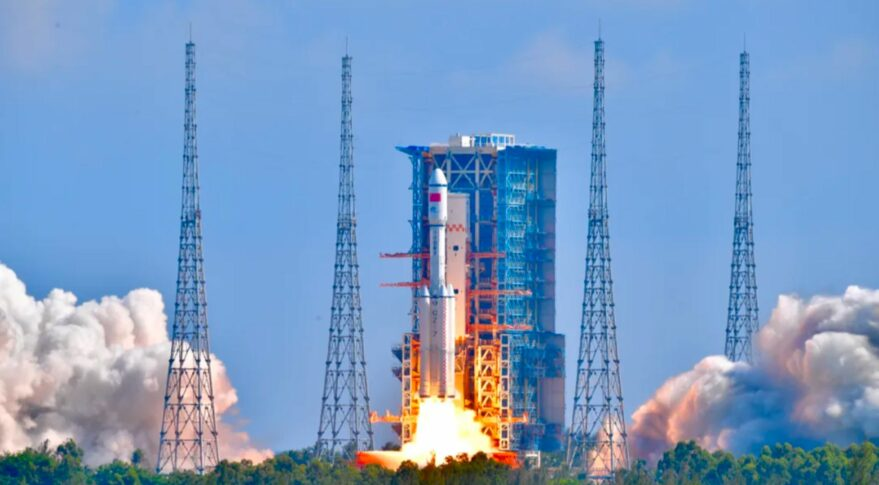 Liftoff of the Long March 7 rocket carrying Tianzhou-3 in orbit on September 20, 2021.